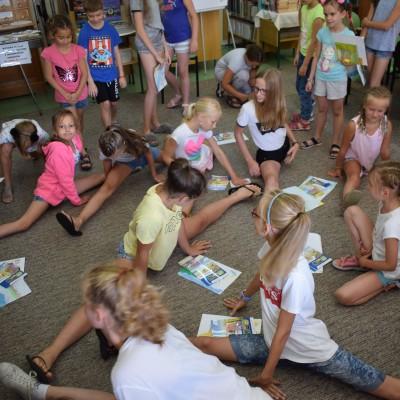 Akrobatki z Zielonej Góry w bibliotece 13.07.2018 r.